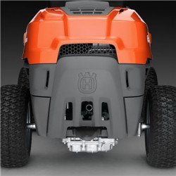 Rear-wheel drive The efficient rear-wheel drive system ensures excellent traction when mowing on slopes.