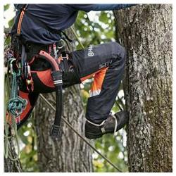 Pagarinātas staras Pievienoti papildu 3 cm, pārliecībai, ka bikses kāpšanas laikā atradīsies pāri zābakiem, saglabājot aizsardzību un komfortu.