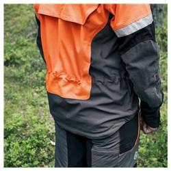 Ventilācijas kabata mugurpuses lejasdaļā labākai ventilācijai.