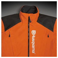 Large parts in hig-viz orange at front for higher visibility. Also with reflective logo on the chest.