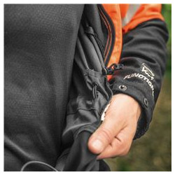 Ērti maināms jostas daļas izmērs, pateicoties elastīgajai saitei ar fiksatoriem.