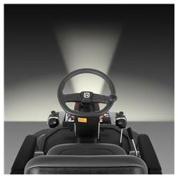 Dual LED gaismas uzlabo redzamību gan tuvu, gan attālināti. Dual LED spuldzes paplašinātai apgaismotai vietai un drošākai darbībai tumšākos apstākļos. Uzlabota redzamība gan tuvu, gan attālināti.