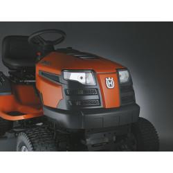 Priekšējie lukturi Tie padara traktoru daudz redzamāku un ļauj jums strādāt arī diennakts tumšajā laikā.
