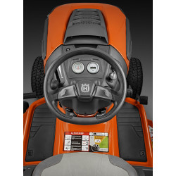 Deluxe steering wheel An oversized and extra thick steering wheel for less steering effort. Soft touch inner surface guarantees reduced effort and better ergonomics