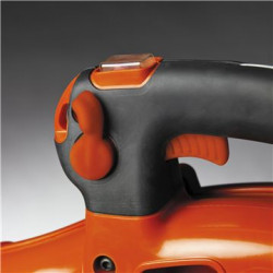 Kruīza kontrole Regulējams ventilatora ātrums vieglākam darbam.