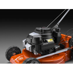 Professional engine A powerful engine with large 1.9 liter fuel tank for professional use.