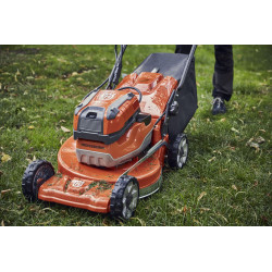 Backpack option for longr runtime Backpack option for longer runtime. Easily mounted on top of mower, still allowing for acess of battery compartment.