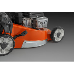Flank protective bumper protects from damage by mowing close to the wall and other obstacles.
