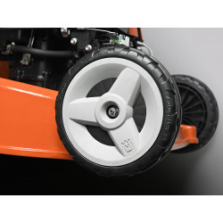 Double ball bearing wheels The mower rolls easily even after many years of use.