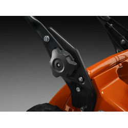 Easy adjustable handle handle in two different positions.