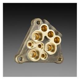 Латунная головка насоса Часть насоса, где расположены поршни, клапаны и создаётся давление, сделана из латуни, что обеспечивает долговечность агрегата при максимальной производительности.