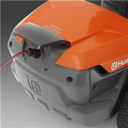 Zems trokšņa līmenis Akumulatora enerģija nozīmē klusāku darbu un uzlabotu lietošanas komfortu.